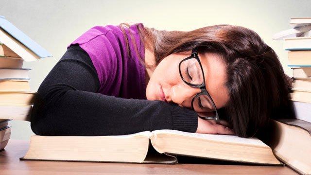 _67452247_sleeping-student640
