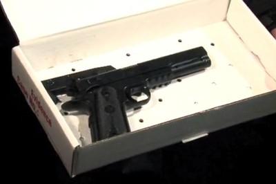 Airsoft-plastic-BB-gun