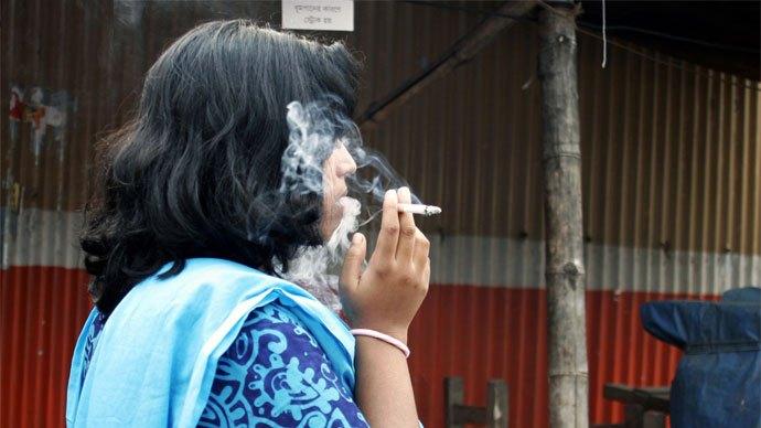 women-smoker