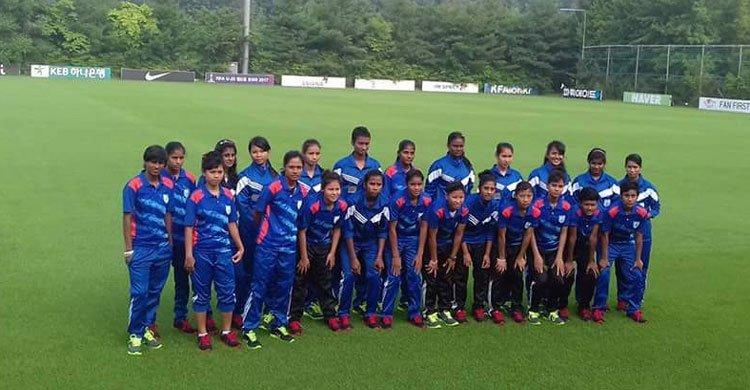 women-football-team