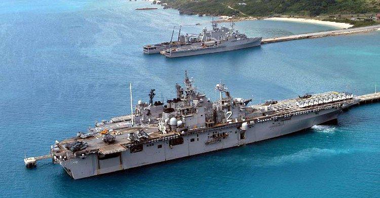 US-Navy-ships-okinawa