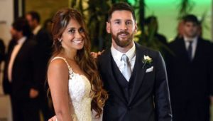 messi-with-wife