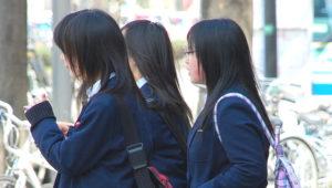 japaese-schoolgirl