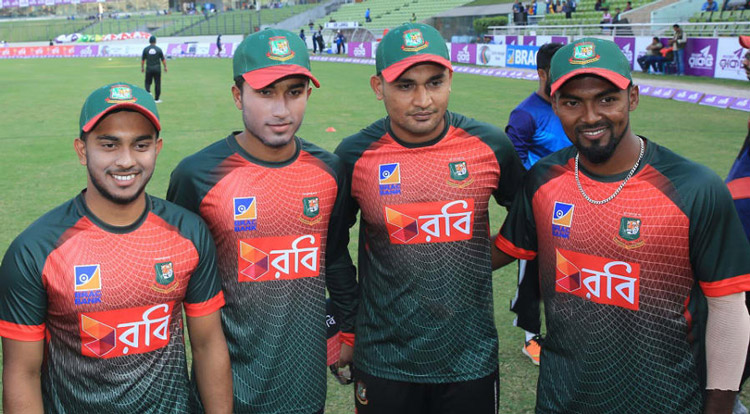 four-young-cricketer