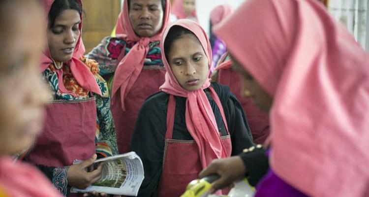 saudi-women-worker