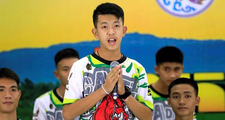 thai-boys-football-tema