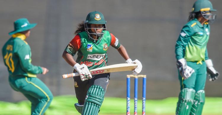 girls-cricket