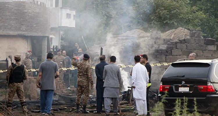 pakistani-biman-crash