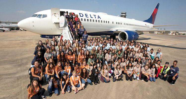 womens-plane